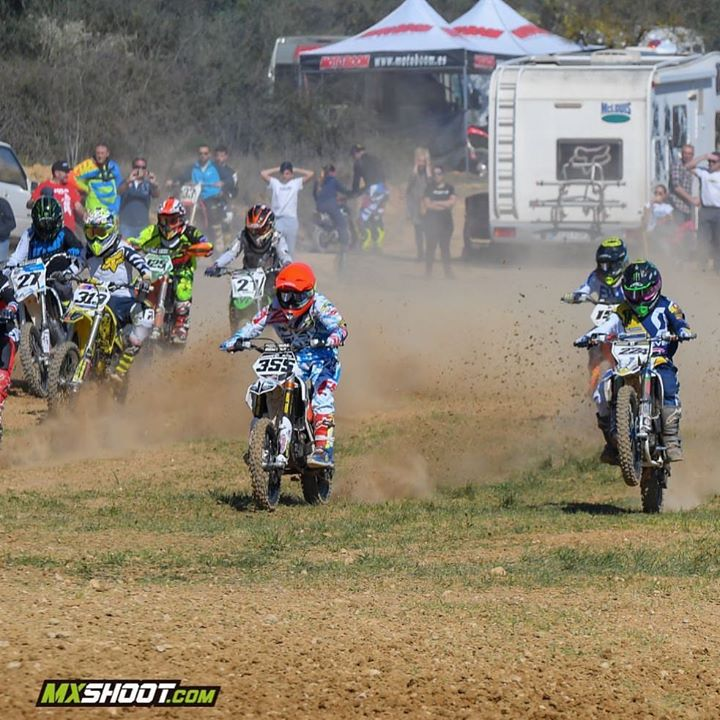 Gran domingo de Motocross en Coves de Vinromà